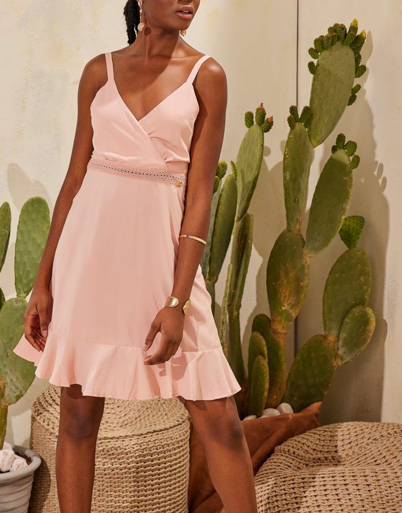 Φόρεμα mini κρουαζέ λεπτομέρεια δαντέλας