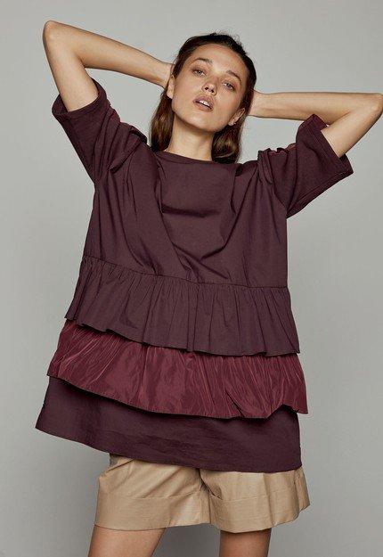 Φόρεμα φούτερ με βολάν επίπεδα
